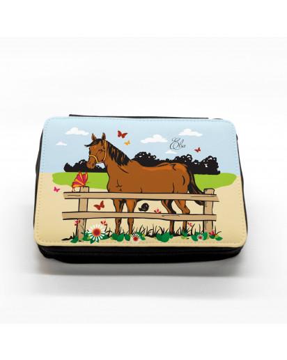 Hauptbild gefüllte Federtasche Pferd auf Weide Pferdekoppel filled pencil case horse on meadow paddock