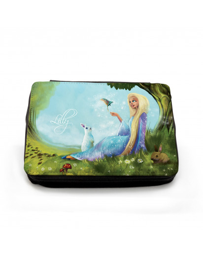Gefüllte Federtasche Prinzessin im Wald mit Hasen und Vogel Filled pencil case princess in the forest with rabbits and bird fm046