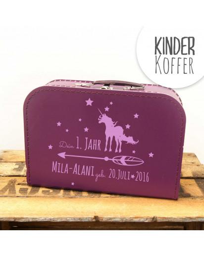 Kinderkoffer Koffer dein erstes Jahr mit Einhorn Pfeil Sternen Wunschnamen und Geburtstag lila kos2