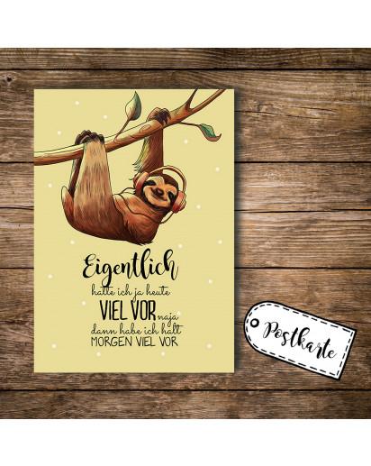 A6 Postkarte Ansichtskarte Flyer Faultier mit Kopfhörer und Spruch Eigentlich hatte ich heute viel vor A6 postcard print sloth with headphones and quote saying actually, I had big plans today pk094.jpg