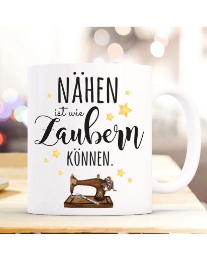 Tasse Becher mit Spruch nähen ist wie zaubern können & Nähmaschine Motiv Sterne Kaffeebecher Geschenk Spruchbecher ts1070