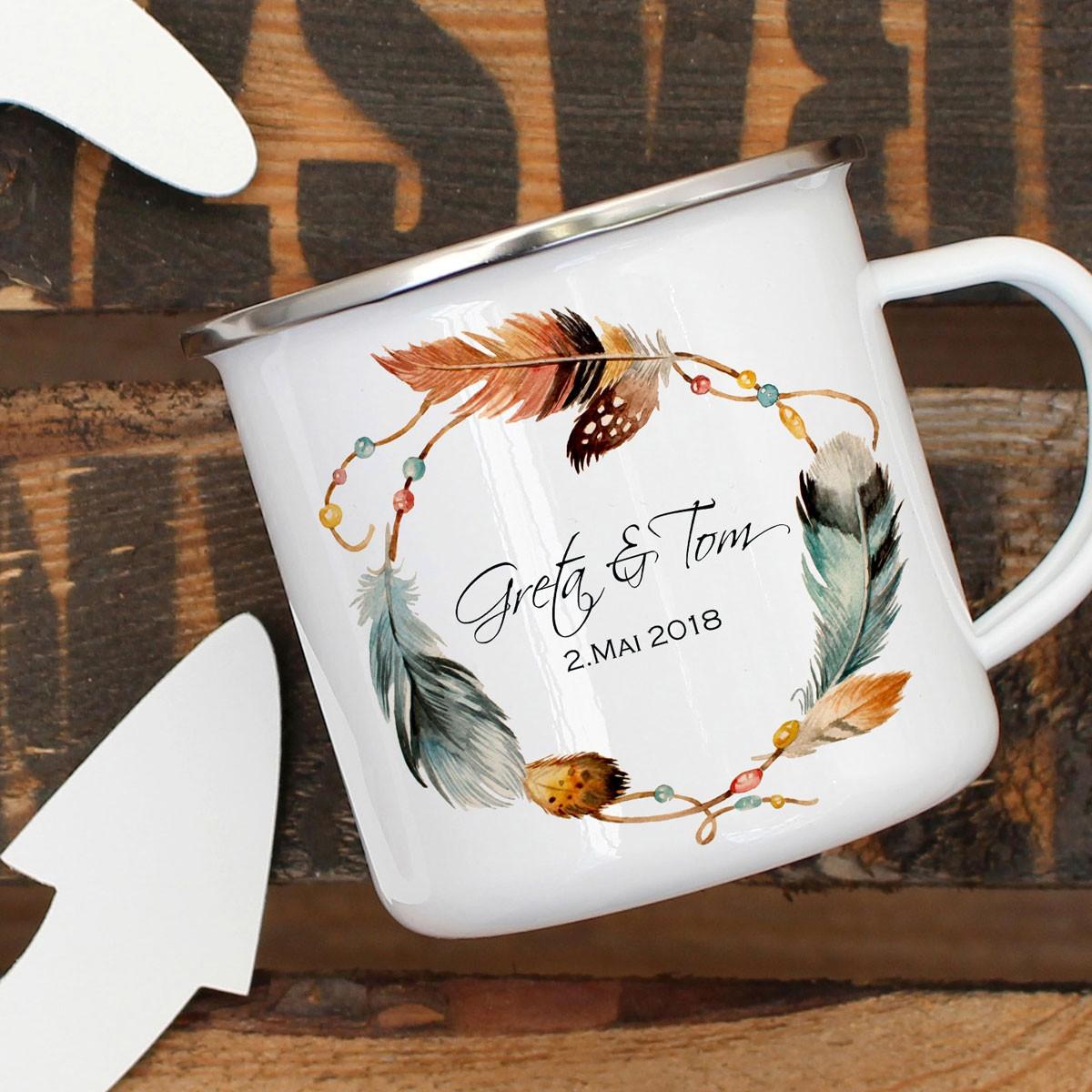 59ade5c211d Emaille Tasse Becher mit Federkranz Namen und Datum Kaffeebecher ...