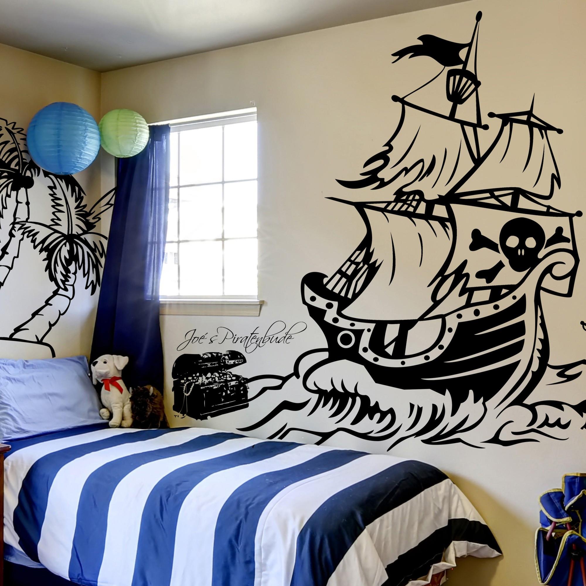 wandtattoo piratenschiff mit palme s beln schatztruhe und. Black Bedroom Furniture Sets. Home Design Ideas