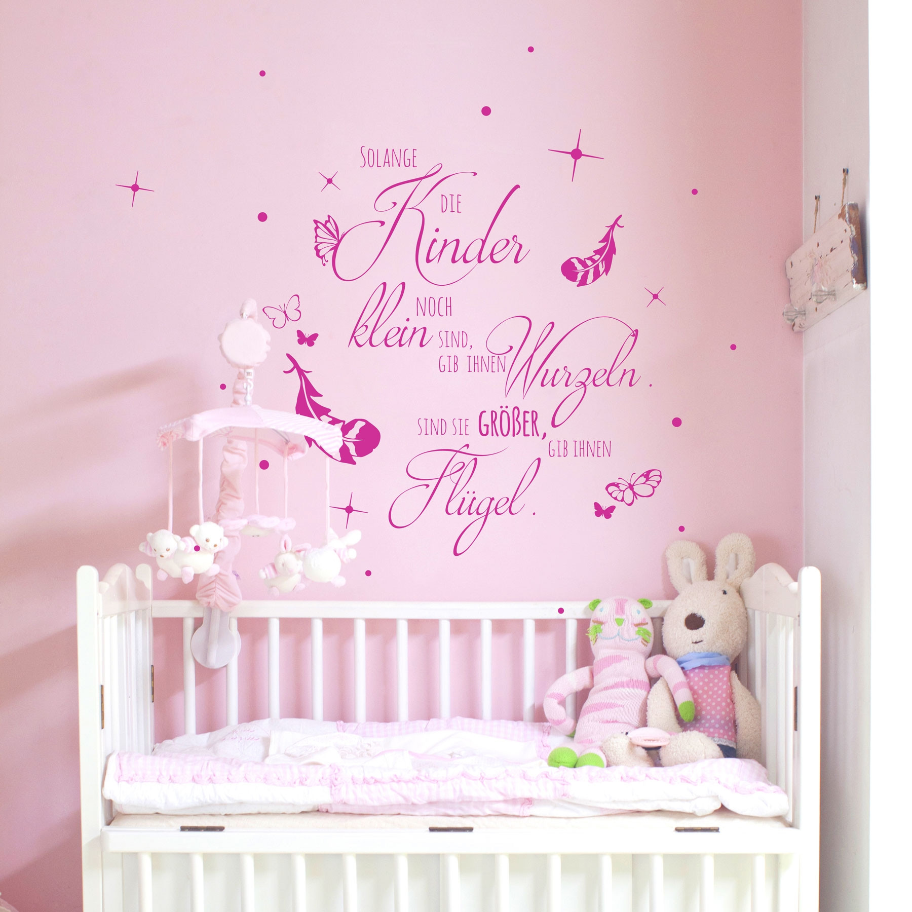 wandtattoo kinderzimmer mit spruch zitat solange kinder klein sind m2155 wandtattoos. Black Bedroom Furniture Sets. Home Design Ideas