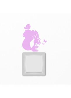 Lichtschaltertattoo Wandtattoo Eichhörnchen mit Schmetterling und Vogel M1404