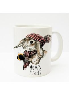 Tasse Kaninchen Hase mit Schal Mütze Tee und Spruch Mom's Auszeit ts194