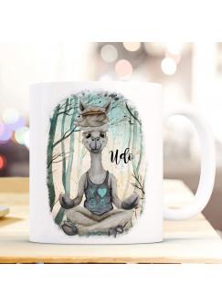 Tasse Becher Motiv Lama Lamachen Yoga im Wald mit Name Wunschname Kaffeebecher Geschenk Spruchbecher ts937
