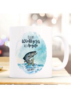 Tasse Becher Kaffeetasse Meerforelle Lachsforelle Fisch Spruch Es gibt Wichtigeres als angeln Kaffeebecher Geschenk Spruchbecher ts968