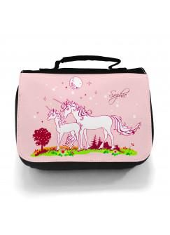 Waschtasche Einhörner auf Wiese mit Sternenhimmel und Wunschnamen in rosa wt006