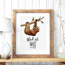 A3 Print Illustration Poster Plakat Faultierplakat Faultierposter Faultier auf Ast mit Spruch Glück ist wenn der Bass einsetzt A3 Print illustration poster placard slooth on branch with quote happiness is when the bass begins p65