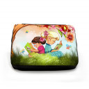 Gefüllte Federtasche Kinder auf Wiese im Sommer mit Schmetterlingen und Baum filled pencil case children in summer with butterflies and tree fm045